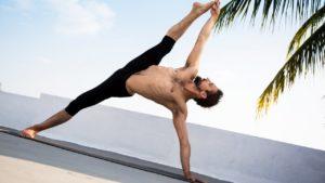 Yoga para hombres - YogaRivas.com