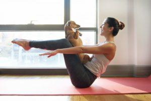 Practicar Yoga con tu mascota - YogaRivas